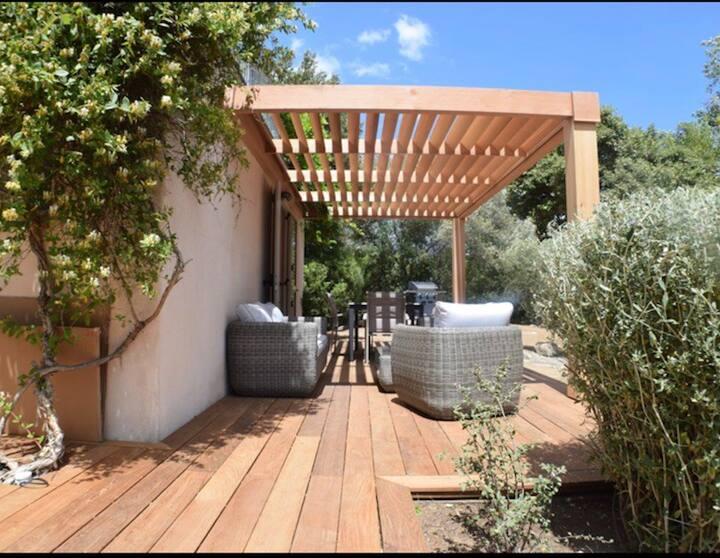 Logement dans villa avec jardin proche des plages!