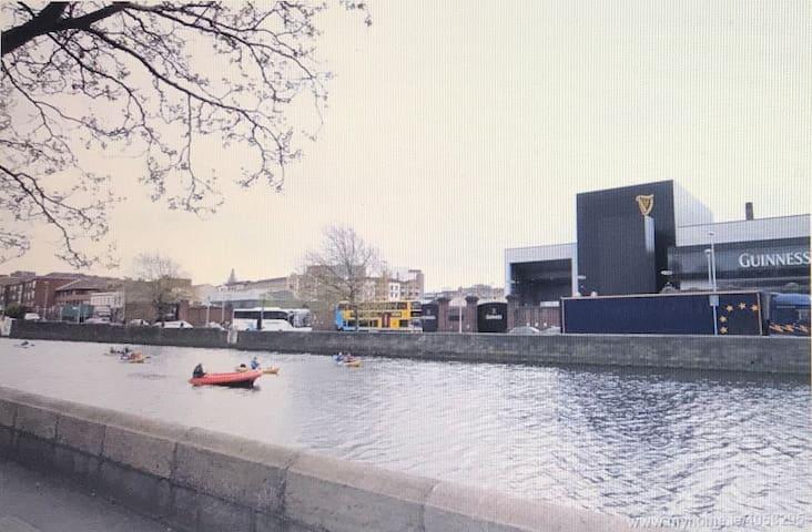 Waterfront Apartment City Centre (Apt C) - Parking