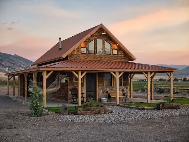 Cobblestone Canyon Ranch Cabin