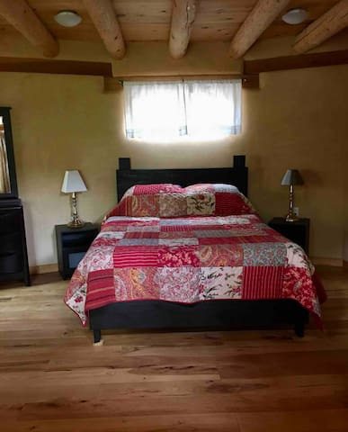 Queen bed with cotton linens