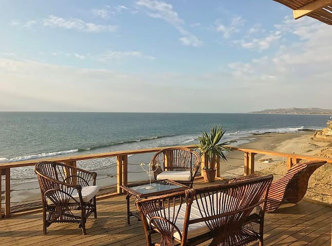 Exclusive Beach Front Villa - Panoramic Ocean View