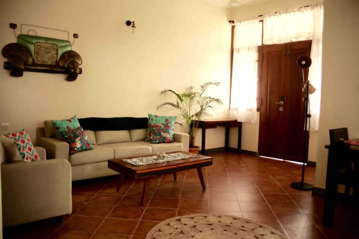 R1 Spacious, elegant, pool-side villa, South Goa
