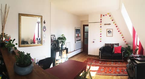 Artist studio in Canal Saint Martin