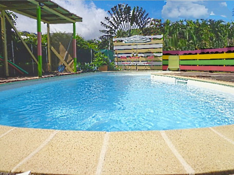 Villa privee piscine balneo mer wifi clim calme for Villa deshaies avec piscine