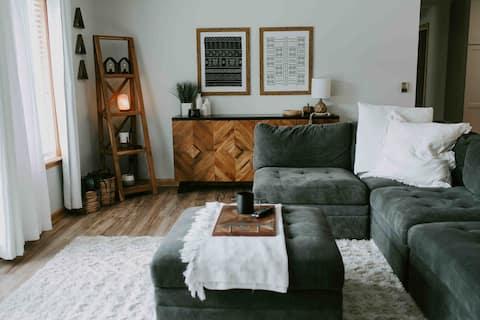 Cedar Grove - Private Mountain View Home