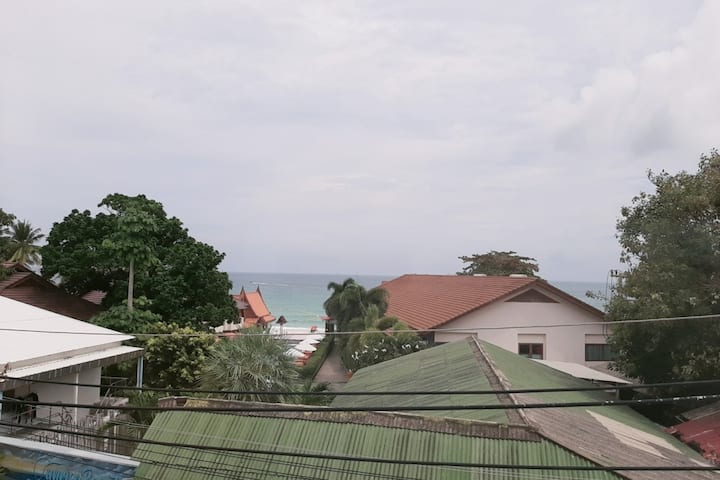 Double Room, Free pool , close to haad rin beach