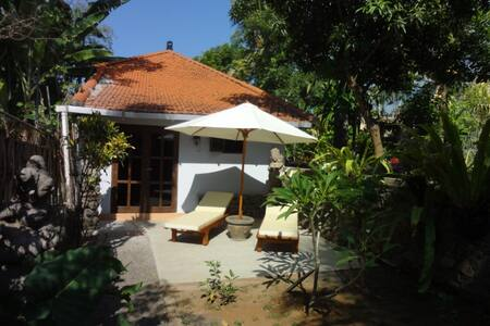 Nice guesthouse near Lovina Beach - Buleleng