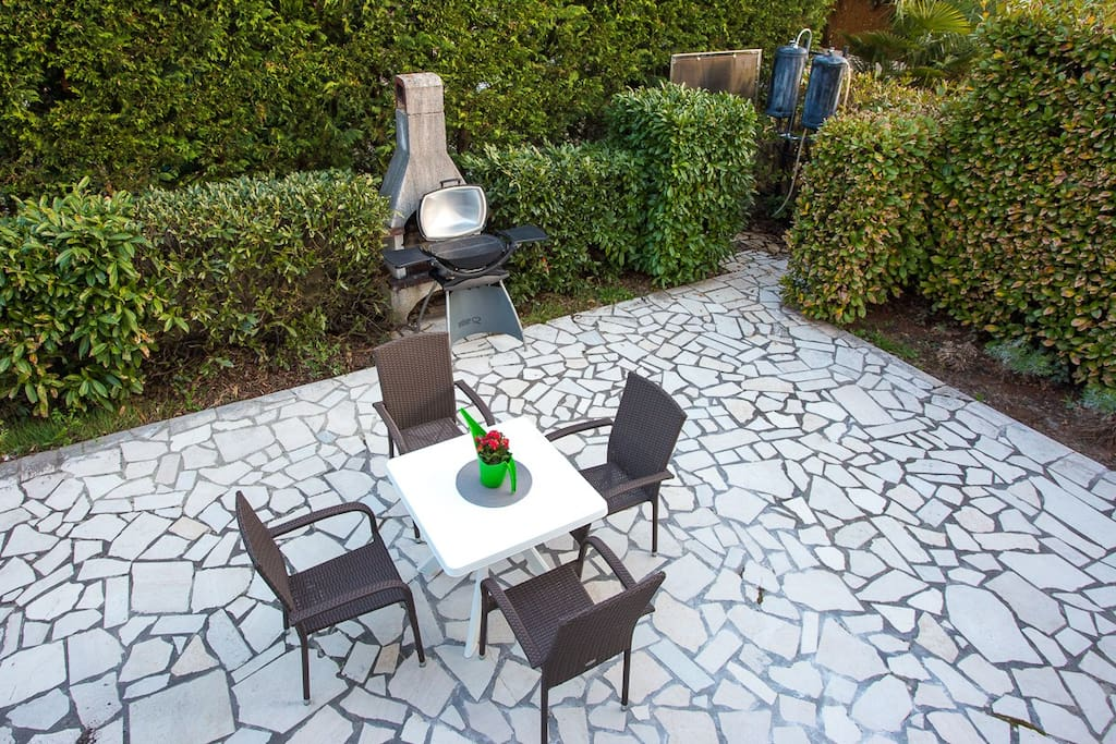 Common table with grill available