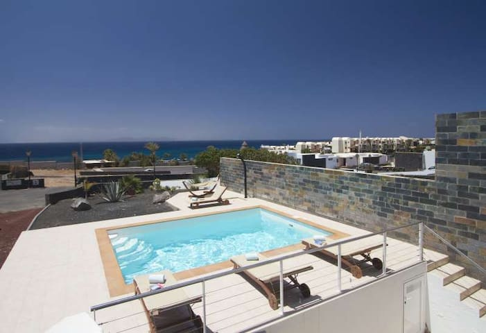Villa ZIDAI in Playa Blanca for 8 p - Playa Blanca - Villa