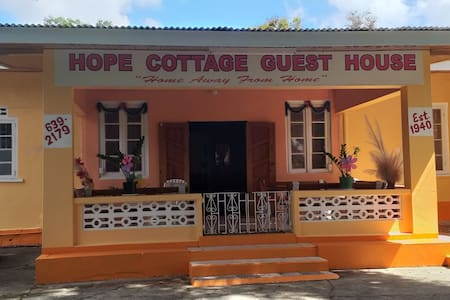 Hope Cottage Guest House (Home Away From Home)
