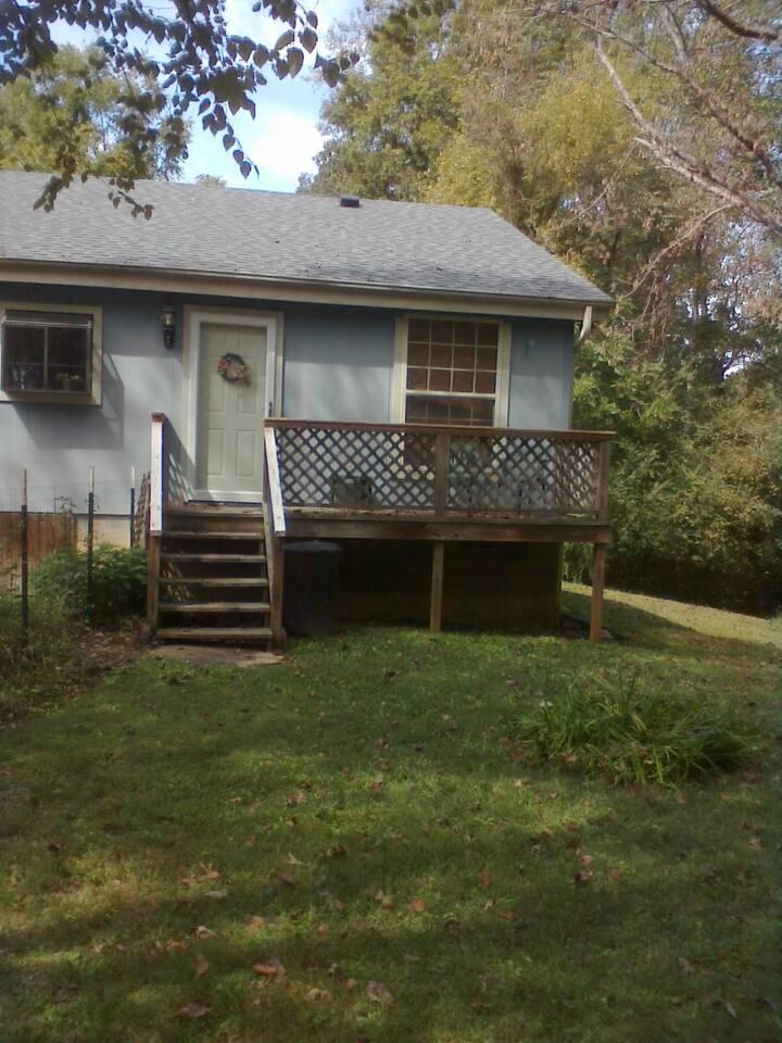 Blue Cottage Apartment