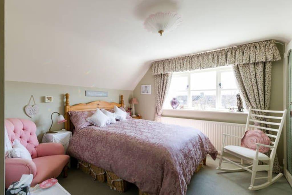 Cheltenham Room To Rent