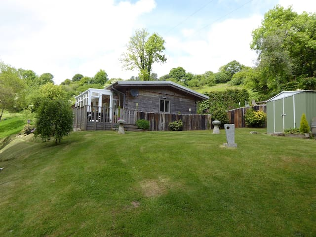 Broom Park Farm Bed and Breakfast - Bodmin - Bed & Breakfast