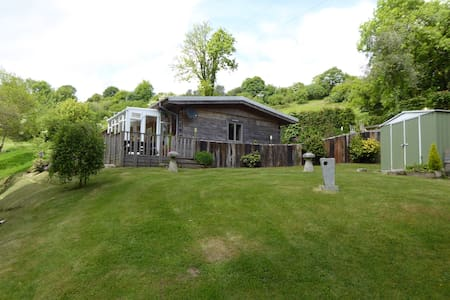 Broom Park Farm Bed and Breakfast - Bodmin