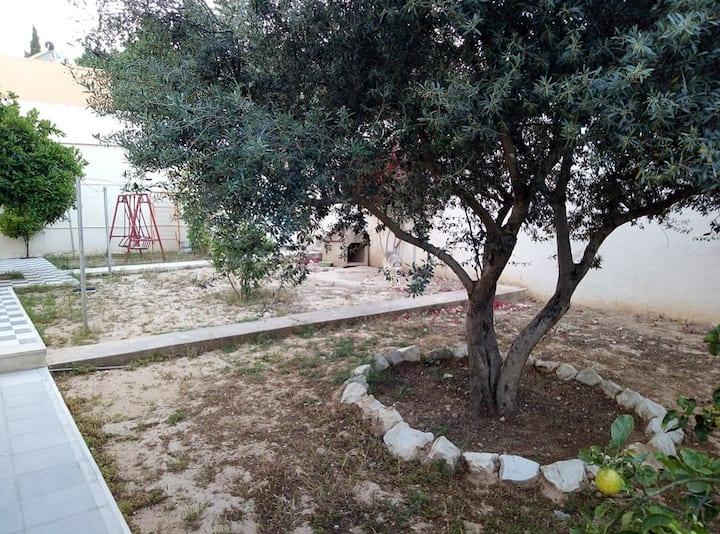 Grande Maison avec Jardin à El Menzah