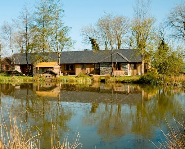 Long Barn cottages with indoor pool gym & hot tubs