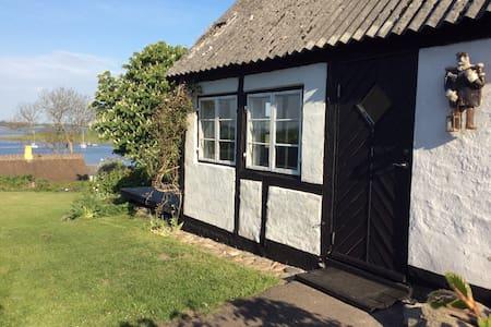 Jyllinge med udsigt over Roskilde Fjord