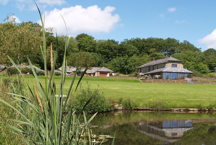 Luxury converted barn between Newquay and Truro - Mitchell - Dom