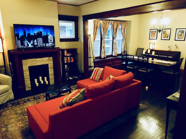 Living room, dining room and piano.  Bluetooth soundbar for your music, Netflix on the TV