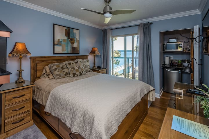 Romantic Ocean Suite For Two