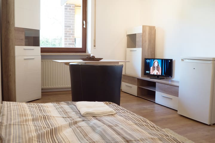 I02c Pension bei Ingolstadt - Terrace Room small