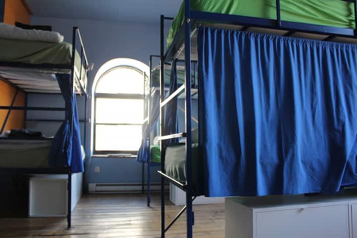 5 bunk bed dorm