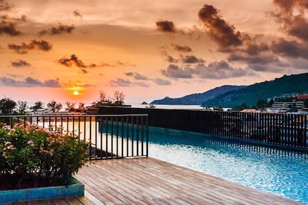 Luxury Patong Beach 44 sqm Apartment for 2 with Pool & Gym! - Patong - Daire