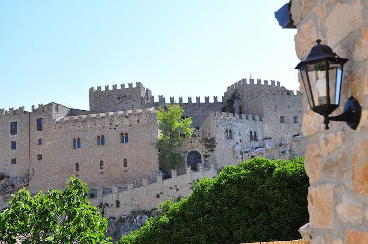 Caccamo - Palermo, Villetta in centro storico