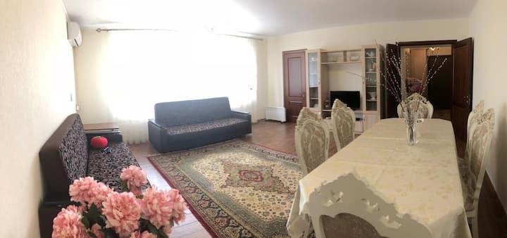 Elena Apartment. Уютная квартира в новостройке