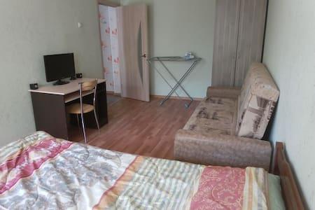 Уютная квартира в центре ждёт Вас! Тульская 67 - Kaluga