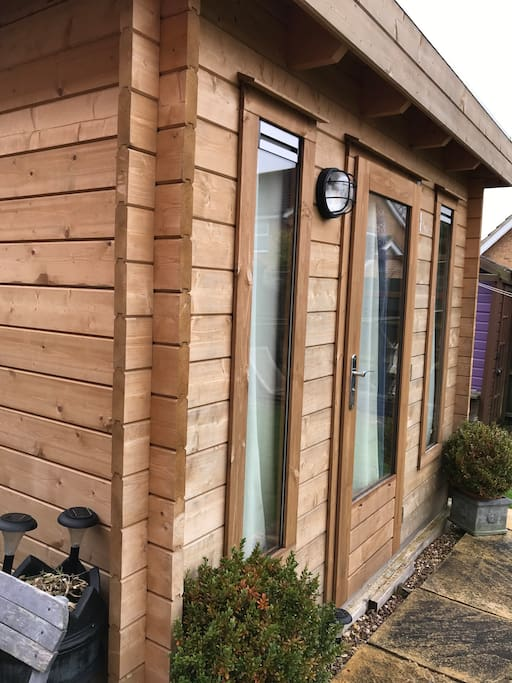 Single bedroom cabin accommodation. Luxury bed and bedding. Towel included