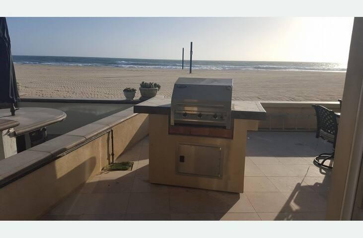 Beach House Directly On The Sand - Newport Beach - House