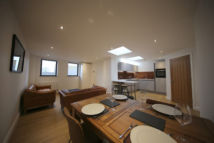 Newly finished 2 bedroom heart of Old Town Swindon