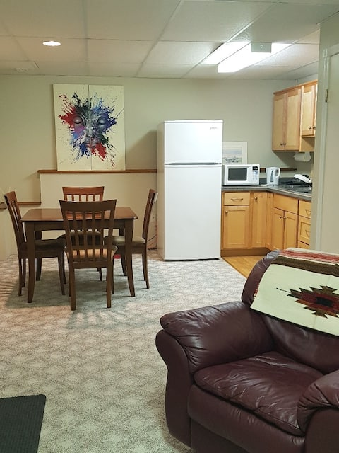 Solid and Simple - 1 bedroom suite