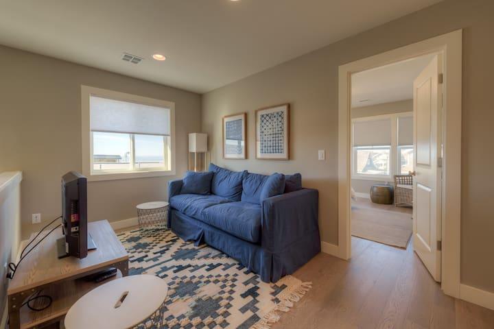 Loft/Den with TV, Second Floor, Ocean View