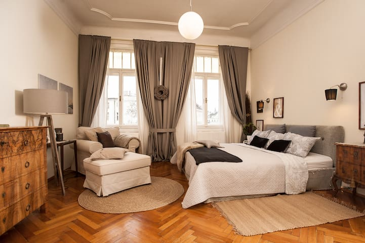 Beautiful Central City Apartment, bright & quiet - Viyana - Daire