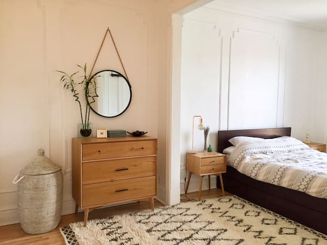 Large guest room's comfy queen size bed