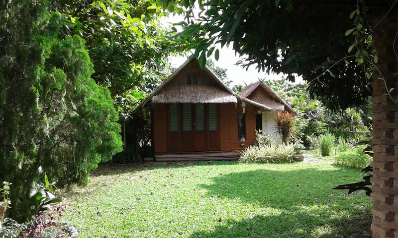 Amata Garden Home | Bamboo hut (แบมบู)