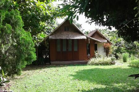 Amata Garden Home | Bamboo hut (แบมบู)