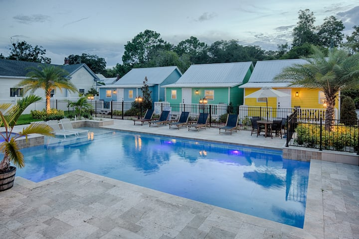 1825 Historic Uptown Cottage with Heated Pool