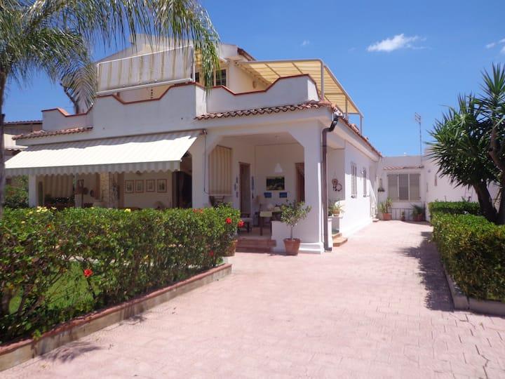 Apartments in villa. Lucia