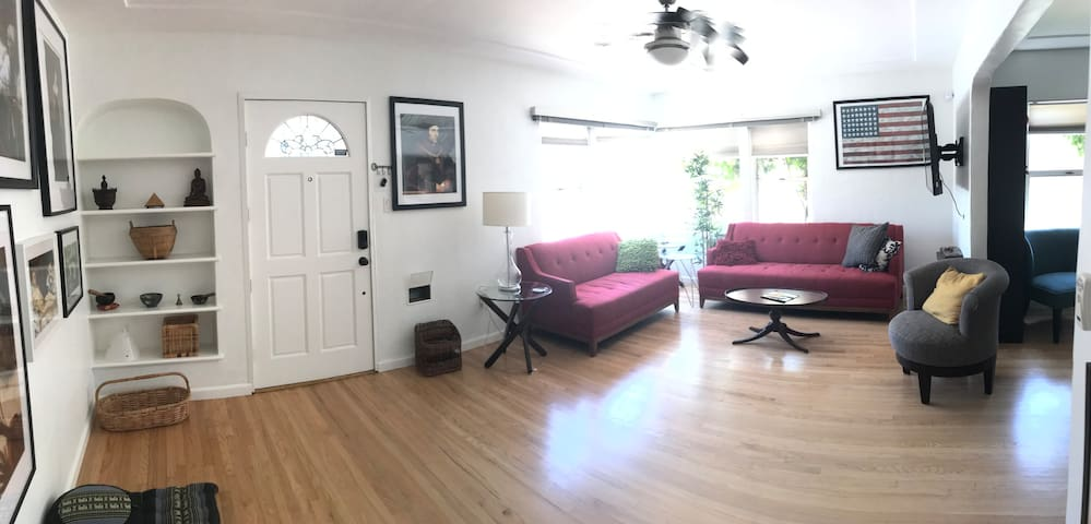 Charming 2 bd 2 ba in College Area