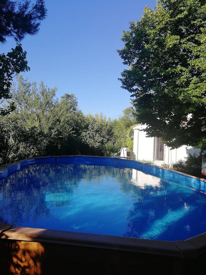 Villa avec piscine au calme dans le sud