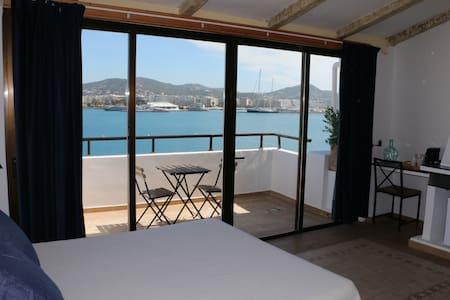 Primera linea de Puerto de Ibiza 3P - Ibiza