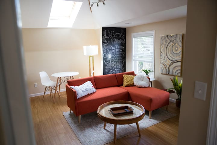 ❣ Bright Apartment in Center of Buffalo ❣