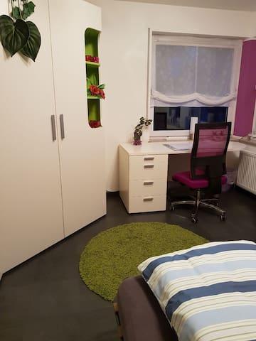 Schöne Helles Zimmer Pfullingen Wohnung