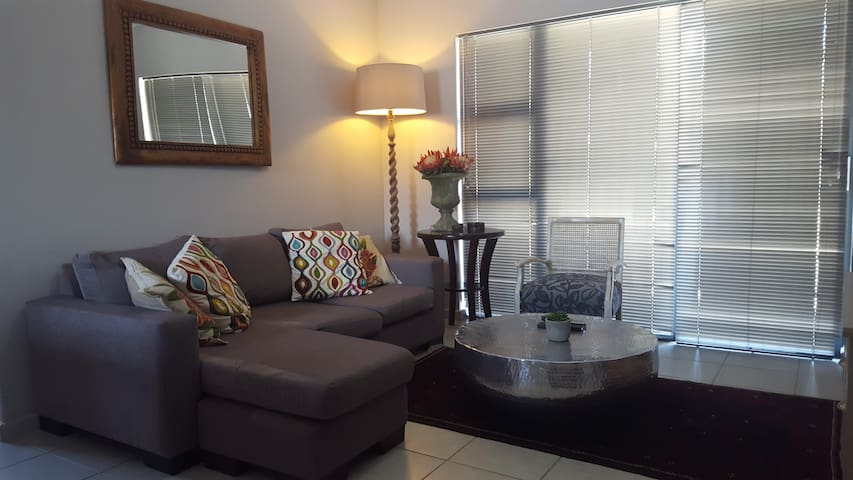 46 Durbanville Square, Murray Rd - Cape Town - Apartment