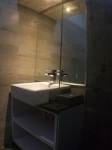 Tranquil & Comfortable Home - Omah Dipan Villa