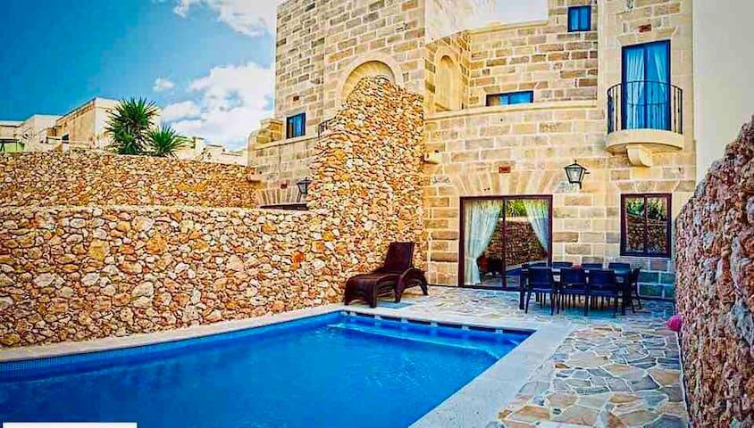 Ta' Gilju Farmhouse-New Property one of a kind!!