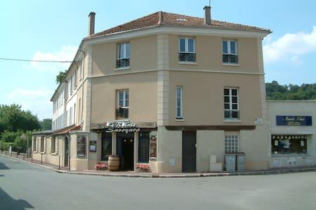 Adorable studio proche de Versailles et de la gare - Jouy-en-Josas - Byt